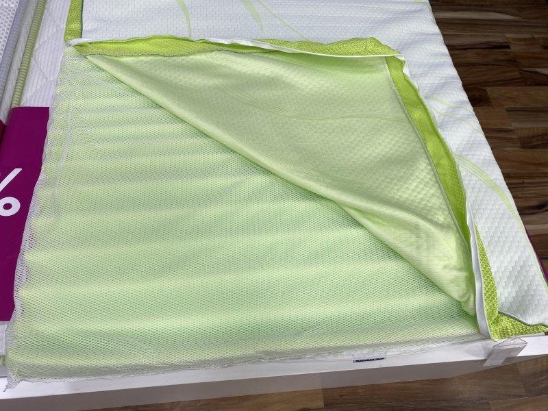 Zelená vnútorná pena v matraci