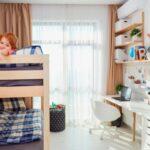 Poschodová posteľ pre deti - multifunkčná, s písacím stolom alebo s úložným priestorom? Aké sú možnosti a ktorú zvoliť?