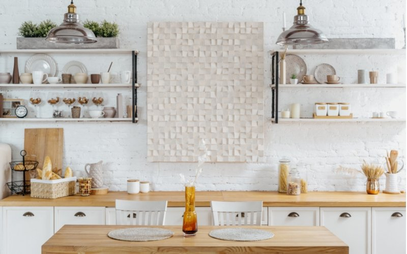 Biela kuchynská linka v škandinávskom štýle