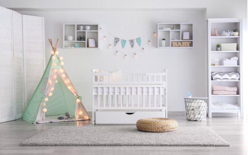 Jednoduchý jednofarebný detský koberec
