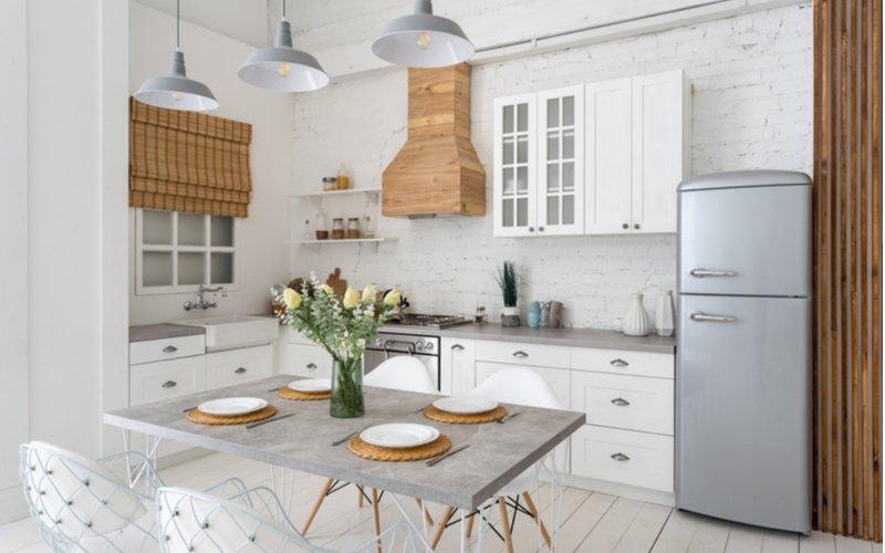 Vidiecka biela kuchynská linka